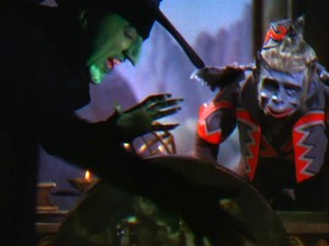 wizard_of_oz_0860_wicked_witch_and_monkey